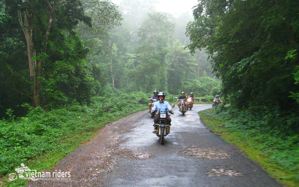 DAY 3: DRAY SAP WATERFALL TO BAO LOC (160 KM - 5 HOURS RIDING)