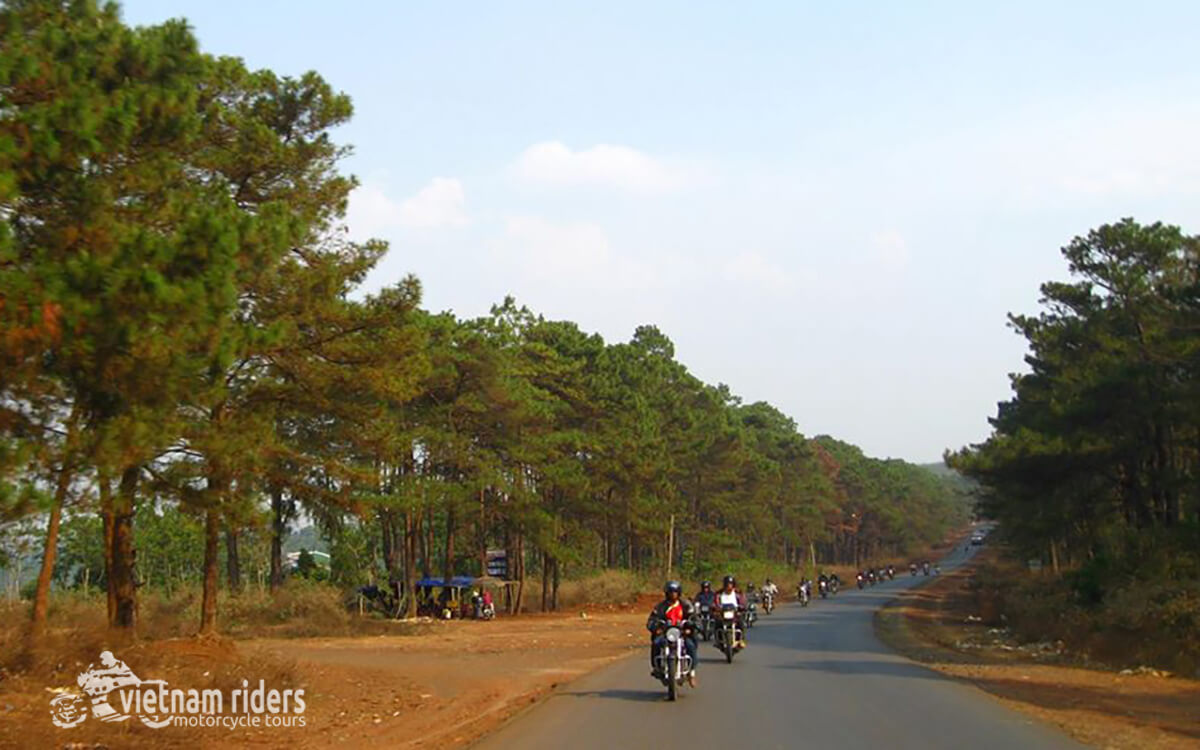 DAY 9: KHE SANH TO HUE (190 KM - 6 HOURS RIDING)