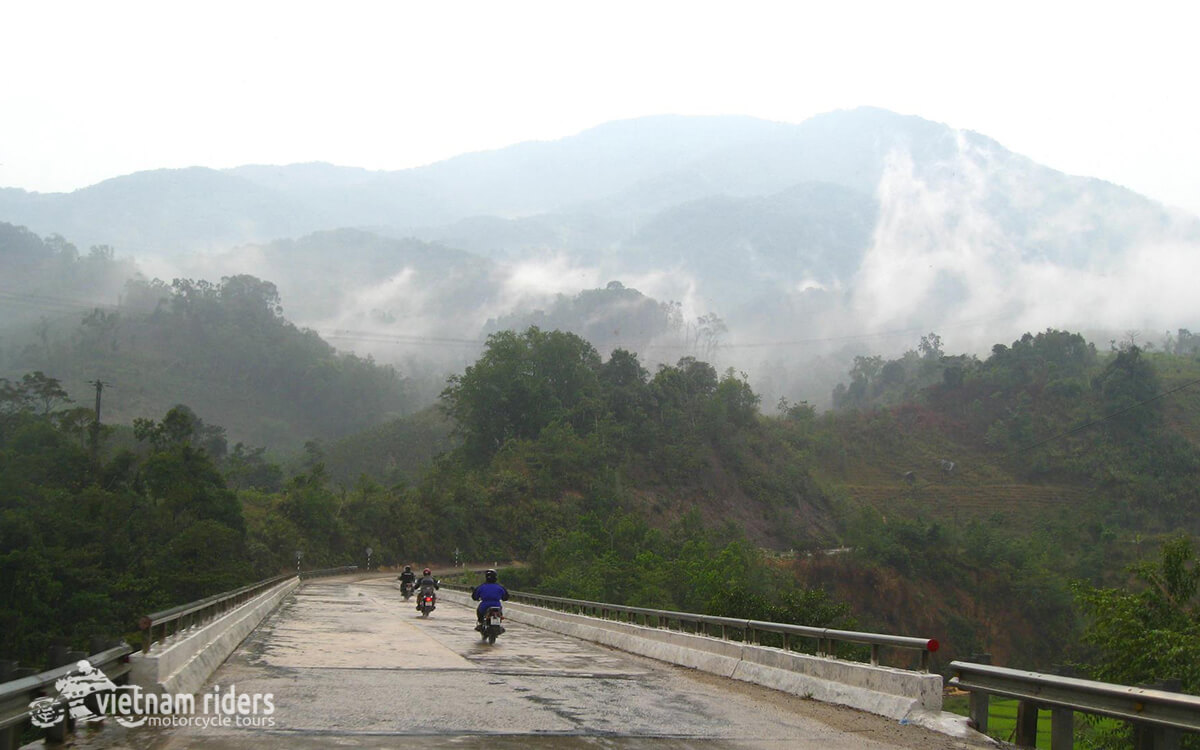 DAY 6: KHAM DUC TO HOI AN (140 KM – 5 HOURS RIDING)