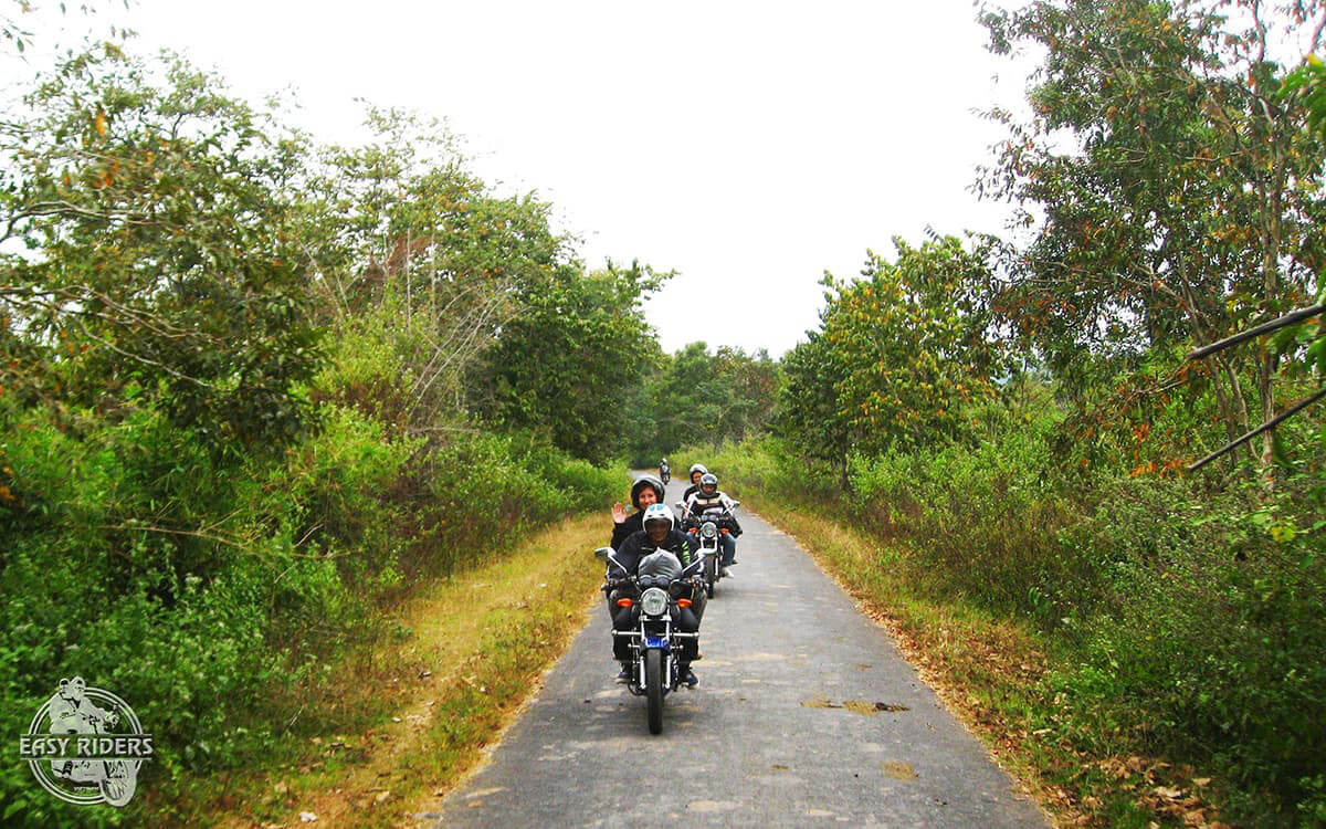 DAY 5: DRAY SAP TO LAK (140 KM - 5 HOURS RIDING)